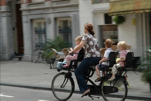 comment emmener ses enfants à l'école en vélo