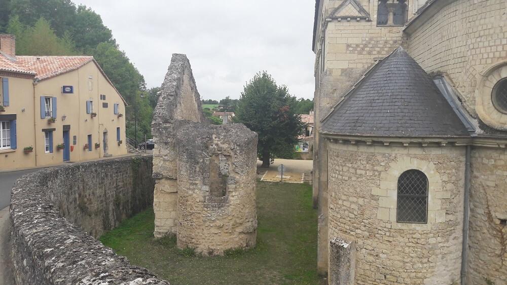 chateau ruine vélo francette