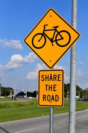 partager la route à vélo