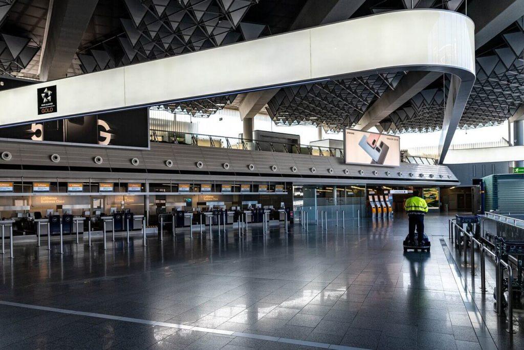 aeroport-vide-covid